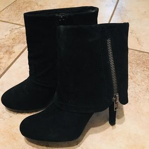 Very Stylish Black Suede Boots!!🎩